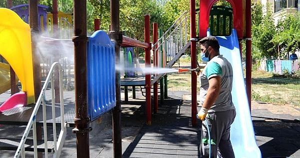 Biga Belediyesi dezenfekte çalışmalarına devam ediyor