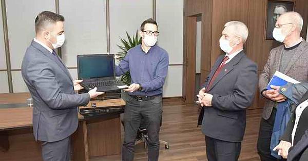 Başkan Erdoğan'dan Muhtarlara dizüstü bilgisayar