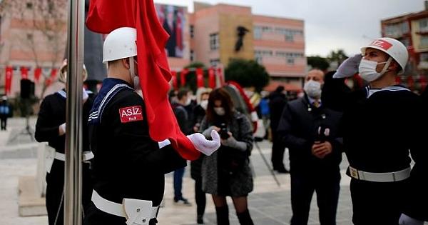 18 Mart Deniz Zaferi törenleri çelenk sunumu ile başladı