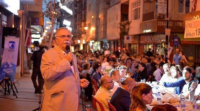 Kemalpaşa Mahallesi'nde iftar yemeği