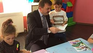 Özkan'dan öğrencilere tebrik