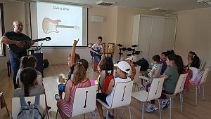 Çocuklar, Kültür Evi'ne akın ediyor