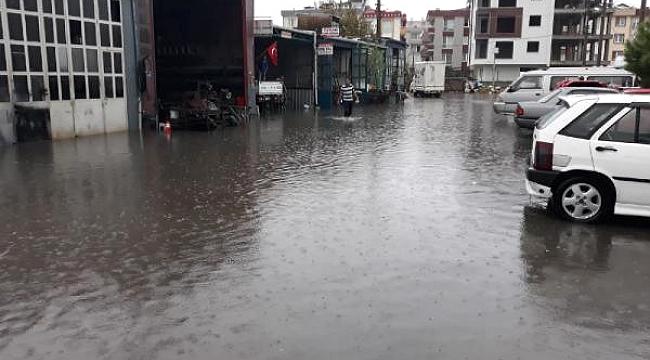 Kent merkezinde kuvvetli yağış
