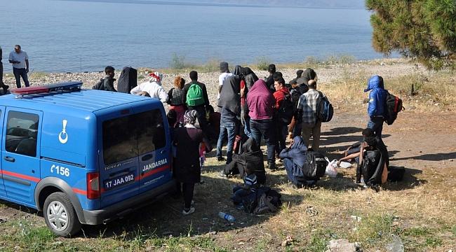 Ayvacık'ta 51 kaçak göçmen yakalandı