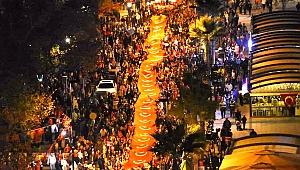 Çanakkale'de 5 bin kişilik fener alayı