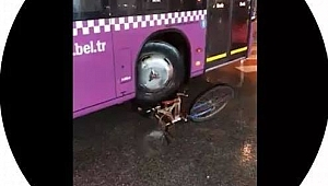 Otobüsle bisikleti ezdi
