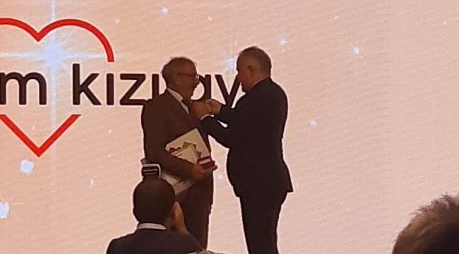 Türk Kızılayı'ndan Kaplan'a Onur Madalyası