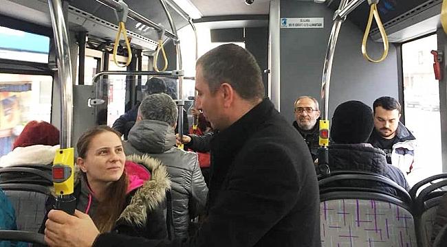 Ulaşım sorununu halk otobüsünde görüştü