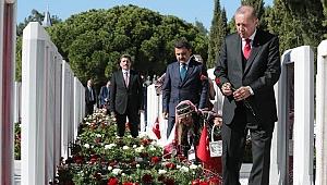 Şehitler Abidesi'nde tören