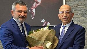 ÇOMÜ'de Rektörlük devir teslim töreni