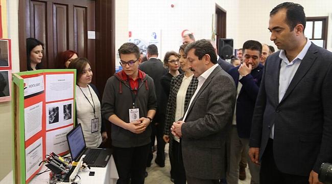 Öğrencilerin projeleri sergilendi