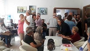 Altın Yıllar Yaşam Merkezi'nde pastalı kutlama
