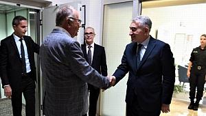 Başkan Gökhan'dan nezaket ziyareti