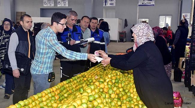 Biga pazarında mobil tahsilat hizmeti