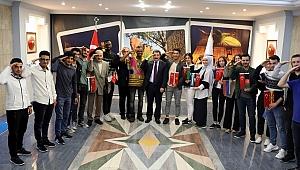 Öğrencilerden, Kahraman Mehmetçiğe selam
