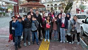 Bayramiç'te öğrencilerin sinema keyfi