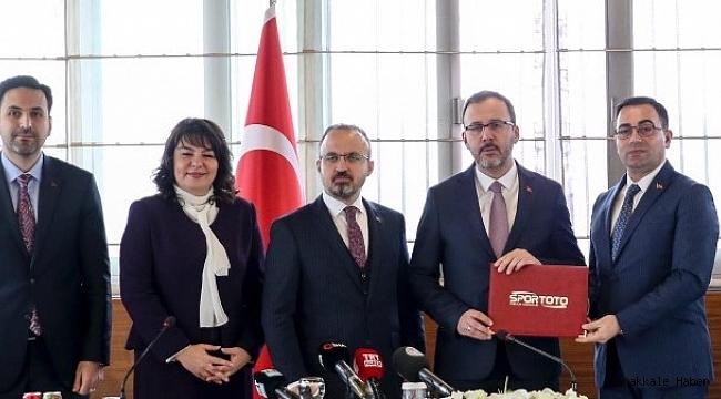 """Erdoğan; """"Biga'da yüzme bilmeyen kalmayacak"""""""