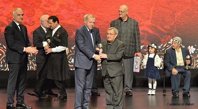 Ödülünü Cumhurbaşkanı Erdoğan'dan aldı