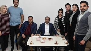 """Erdoğan; """"Gençler siz davet edersiniz de gelmez miyiz?"""""""