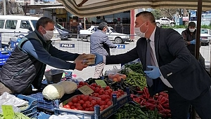 Ayvacık Belediyesi'nden esnafa yemek ikramı