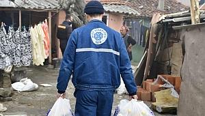 Biga Belediyesi ekipleri gönülleri ısıtıyor