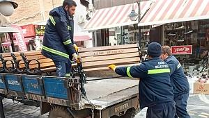 Ezine'de banklar kaldırıldı