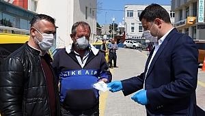 Gelibolu'da şoförlere maske dağıtımı