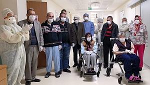 Koronavirüsü yenen hastalar taburcu oluyor