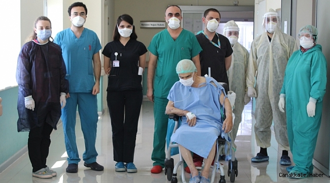 80 yaşındaki hasta solunum cihazından kurtuldu