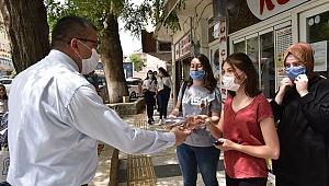 Başkan Öz'den gençlere hediye