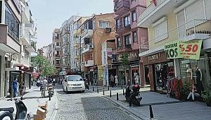 Sokaklarda gençlik şarkıları yayınlandı