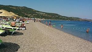 Assos sahilleri ziyaretçilerini bekliyor