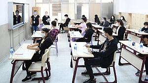 Biga'da LGS'ye 1322 öğrenci katıldı