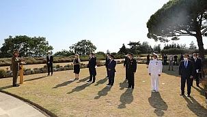 Lone Pine Avustralya Anıtı'nda çelenk töreni