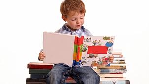 """Prof. Dr. Nurper Ülküer: """"Çocuk kitapları için önlem alınmalı"""""""