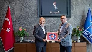 Başkan Bayram'dan Küçükçekmece Belediyesi'ne ziyaret