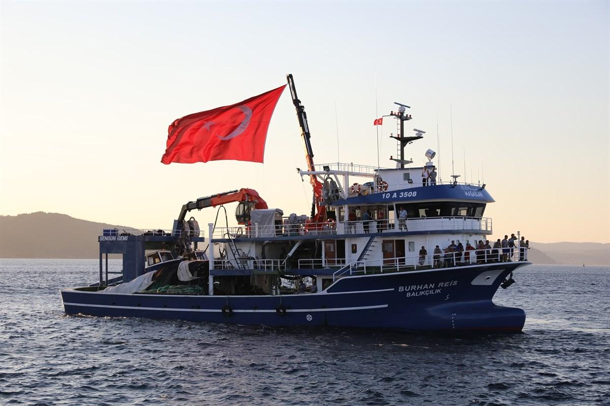 """Çanakkale'li Balıkçılar """"Vira Bismillah"""" dedi"""