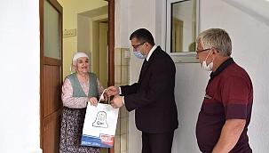 Başkan Öz'den yaşlılara ziyaret
