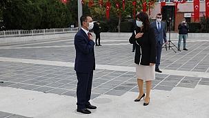 Cumhuriyet Meydanı'nda tebrikat töreni