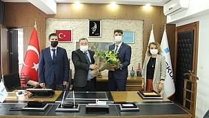 İŞKUR'da bayrak teslimi