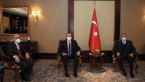 Bakan Çavuşoğlu ve Bakan Akar, Ahıska Türkleri ile buluştu