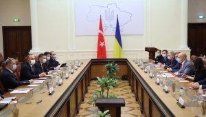 Bakan Çavuşoğlu ve Bakan Akar, Ukrayna Başbakanı Şmihal ile görüştü