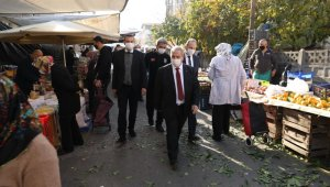 Başkan Demirtaş semt pazarlarındaki denetimleri yerinde inceledi