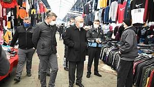 Başkan Gökhan pazar yerini denetledi