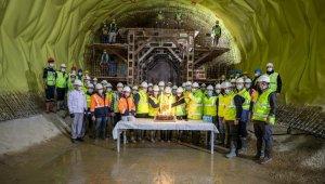 Başkan Soyer yılın son saatlerinde Narlıdere Metrosu'na indi
