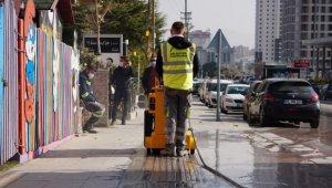 Başkent'te görme engellilere yerli üretim kılavuz çizgi makinesi yardımcı oluyor