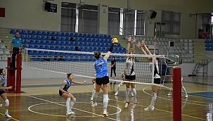 Belediyespor Vakıfbank'ı 3-1 mağlup etti