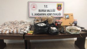 Bursa'da jandarma ekipleri uyuşturucuya geçit vermiyor