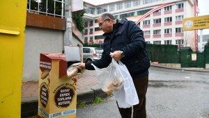 Çayırova'da bayat ekmekler sokak hayvanlarına gidiyor