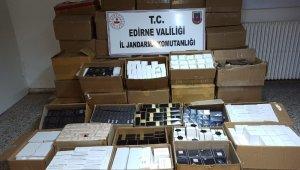 Edirne'de 516 bin TL'lik kaçak parfüm ele geçirildi